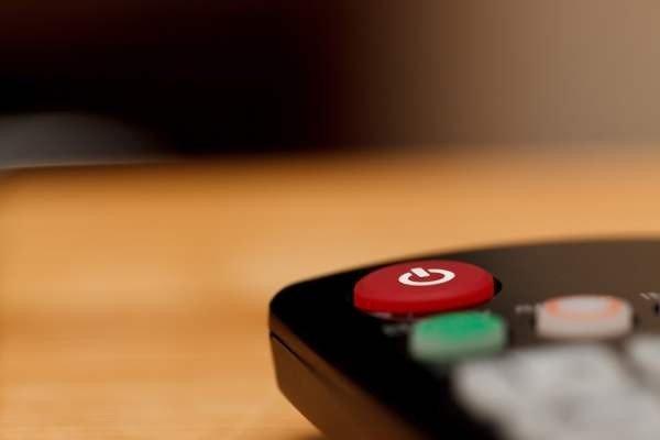 Телевидение все еще опережает остальные источники информации